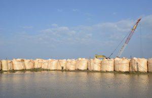 土壌硬化剤 セメント 安全 塩害に強い 発電施設 短工期 28日強度 コスト管理