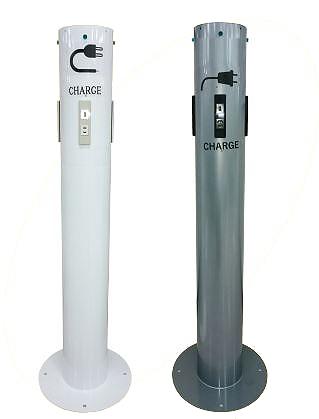 自立式充電スタンド。 高さ1,200mmの鋼管ポール。 床に簡単設置できます。